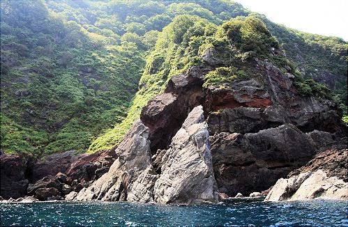 Lion's Mouth Cliff<br />(Shishi no kuchi)